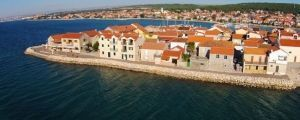 Croatiatransfers.hr takes you to all the top places in Chorwacja like Bibinje fast, safe and cheap. Book a taxi transfer with Croatiatransfers.hr to travel in style through Chorwacja & Europe!