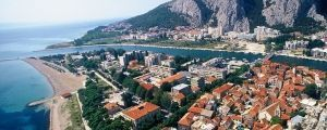 Croatiatransfers.hr takes you to all the top places in Chorwacja like Omiš fast, safe and cheap. Book a taxi transfer with Croatiatransfers.hr to travel in style through Chorwacja & Europe!